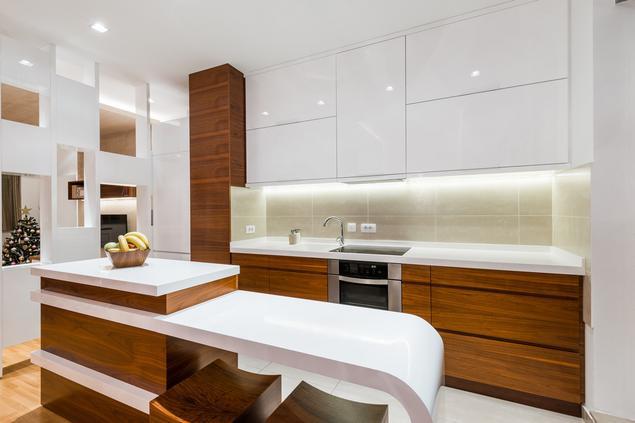 Zobacz galerię zdjęć Biała kuchnia na wysoki połysk   -> Kuchnia Ecru Polysk