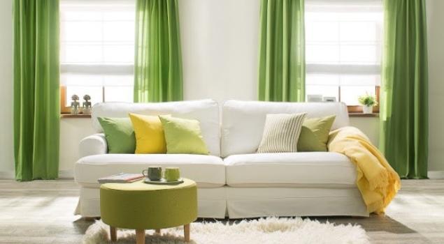 Najmodniejsze trendy wnętrzarskie tego lata – dekoracje i kolory