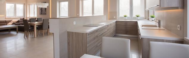 Zobacz galerię zdjęć Jasna kuchnia otwarta na salon   -> Kuchnia Otwarta Na Przedpokój