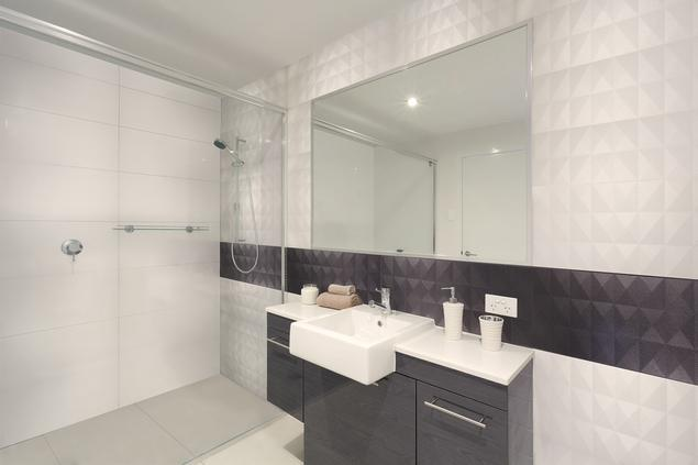 Zobacz Galerię Zdjęć Biało Czarna łazienka Dekory ścienne
